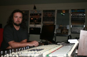 jukejoint-mixer-and-outboard-feb2010